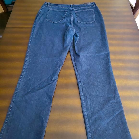 Lee Denim - Lee Classic Fit Jeans 1889 - Women's Size 18 Tall